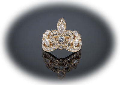 Fleur de lis crown ring with diamonds in 18kt yellow gold