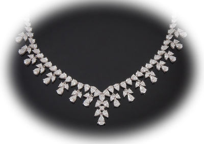 Necklace with 25 cts of diamonds in 18kt white gold