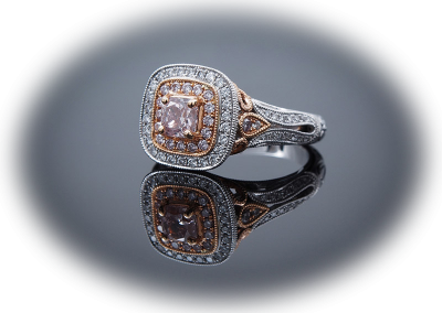 Ring with 0.53ct natural pink diamond in 18kt white and rose gold