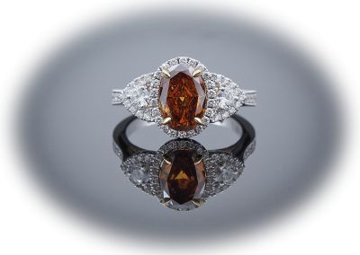 Ring with 1.51ct brown diamond in 18kt white and yellow gold