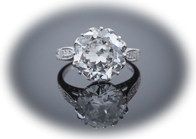 Ring with 5.06ct Old European Cut diamond in platinum crown mounting