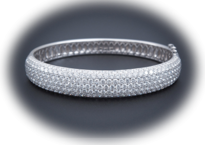 Bracelet with 10.44ct diamonds in 18kt white gold