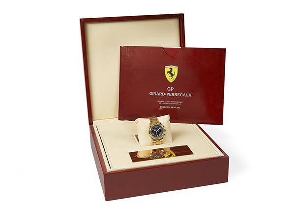 Girard Perregaux Limited Edition Scuderia Ferrari Foudroyante in 18K yellow gold - Box