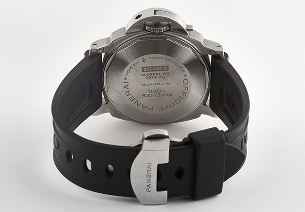 Panerai Luminor Power Reserve in Stainless Steel with rubber strap - Closed