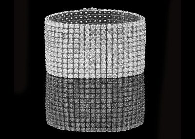 Bracelet with 79.60 carats of diamonds in1 18kt white gold