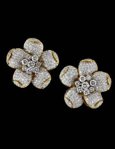 1 Flower earrings with 12 carats of diamonds in 18kt yellow gold