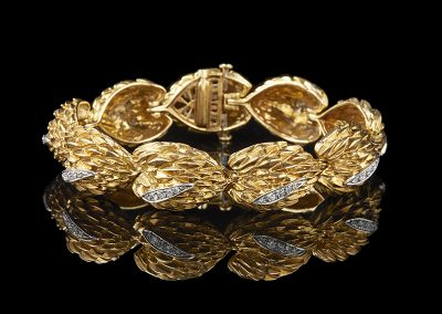 Estate bracelet with 1 carat of diamonds in 18kt yellow gold