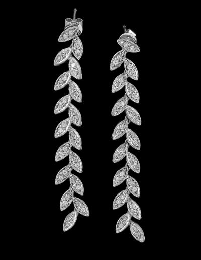 Leaf drop earrings with 0.92 carats of diamonds in 18kt white gold