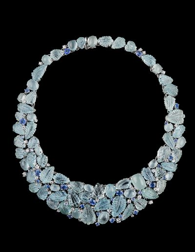 Necklace with 280 carats of carved and cabochon aquamarines and 13.28 caras of blue and white sapphires in 18kt white gold