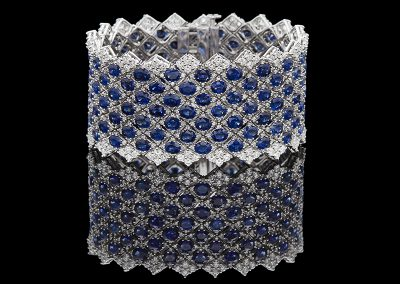 Bracelet with 62 carats of sapphires and 11.28 carats of diamonds in 18kt white gold