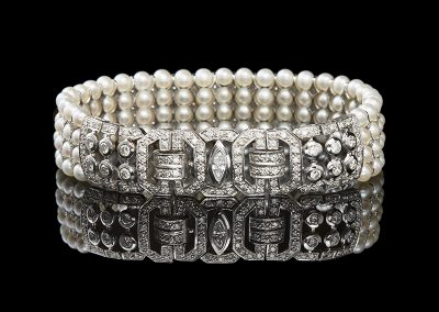Pearl bracelet with 2 carats of diamonds in 18kt white gold