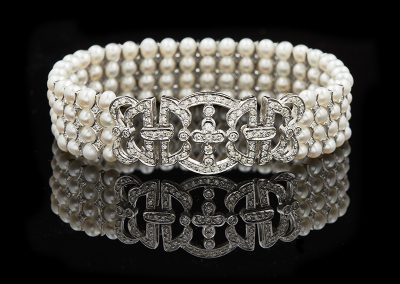 Pearl bracelet with 1.67 carats of diamonds in 18kt white gold