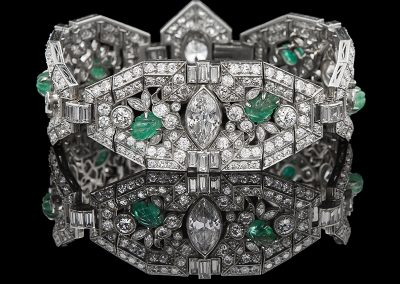 Estate bracelet with 35 carats of diamonds and 9 carats of emeralds in platinum