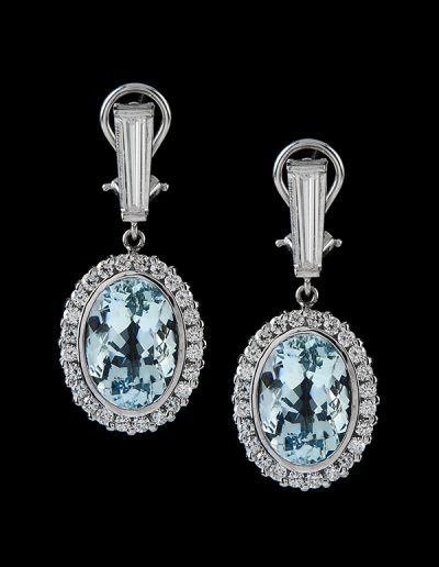 Earrings with 15 carats of aquamarines and 2.20 carats of diamonds in 18kt white gold