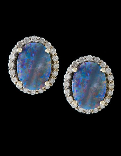 Earrings with opals and 1 carat of diamonds in 14kt white gold