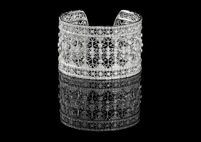 Art Deco style cuff bracelet with 14.52 carats of diamonds in 18kt white gold