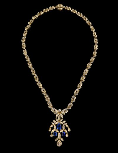 Necklace with 10 carats of diamonds and 6 carats of sapphires in 18kt yellow gold