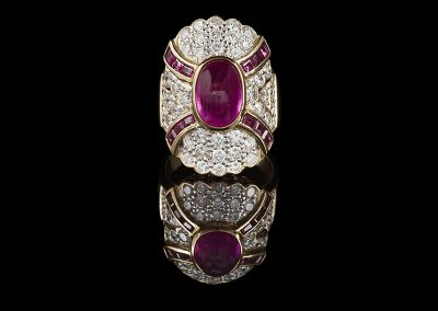 Cocktail ring with 3 carats of rubies and diamonds in 18kt yellow gold
