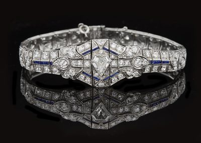 Art Deco bracelet with 7.50 carats of diamonds and sapphire accents in platinum