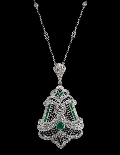Necklace with 3 cts of diamonds and 1 ct of emeralds in platinum