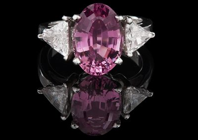 Ring with a 3.96 ct pink tourmaline and 1 carat of diamonds in platinum