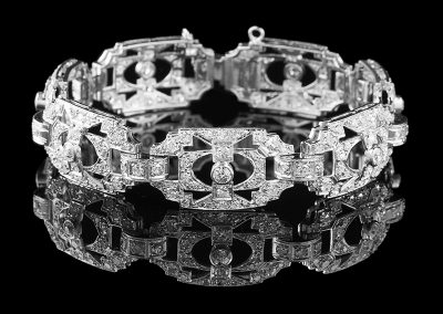 Estate bracelet with 6.50 carats of diamonds in platinum